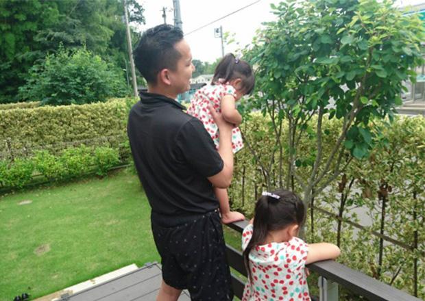 オフショット:茨城県、自宅の庭にて