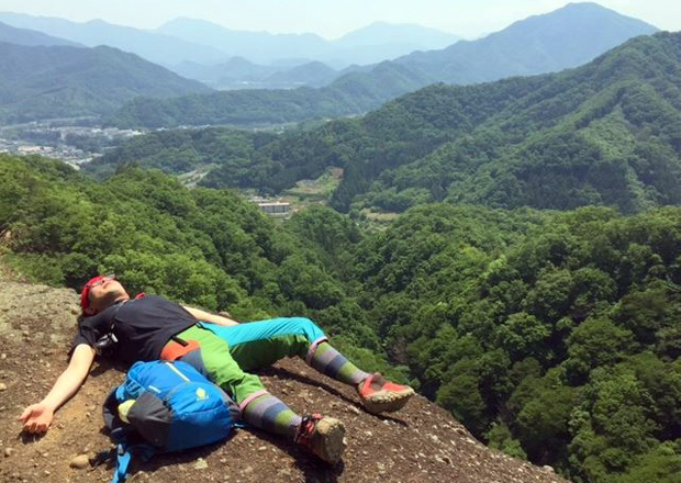 オフショット:山梨県、岩殿山の断崖絶壁にて