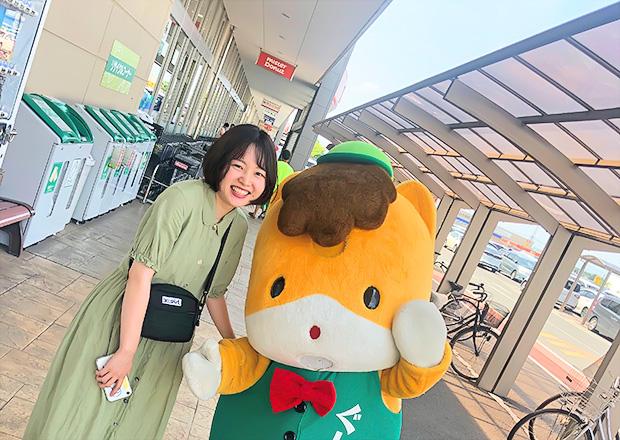 オフショット:群馬県、スーパーにて(ぐんまちゃんと)
