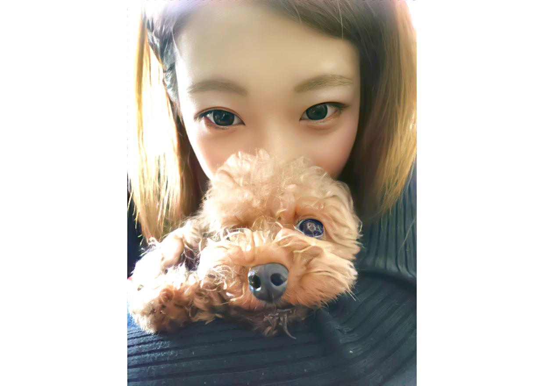 オフショット:東京都内、愛犬と自宅にて